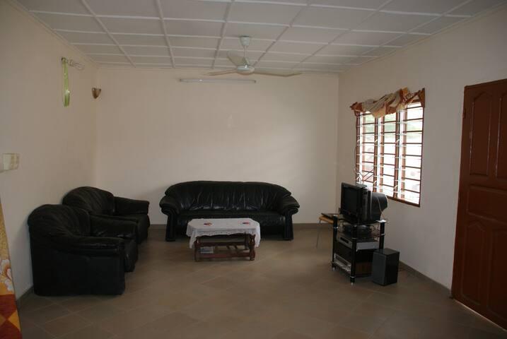 Maison meublée (deux appartements)  à COTONOU - Cotonou - Talo