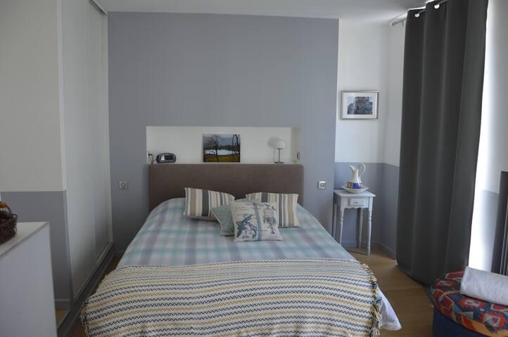 Chambre avec lit 160 de grand confort