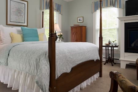 Our luxurious rooms featured pressed sheets, robes with slippers, in room coffee or tea and private baths.