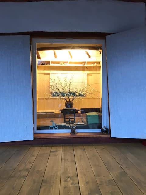 다천재(茶泉齋)  아름다운 녹차밭 산책과 새소리, 바람소리를 들으며 편안히 머무는 작은집.