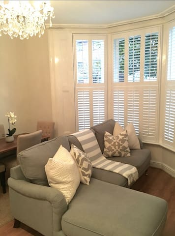 1 bed flat - centre of Wimbledon - London