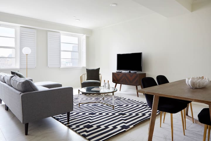 Sonder | Canal Street | Dashing 1BR + Sofa Bed