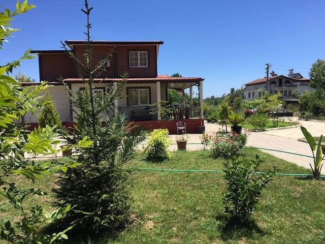 Beautiful and spacious house in Çamyuva- kemer.