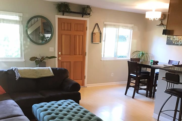 Perfect Home Away From Home - Capitola - Hus