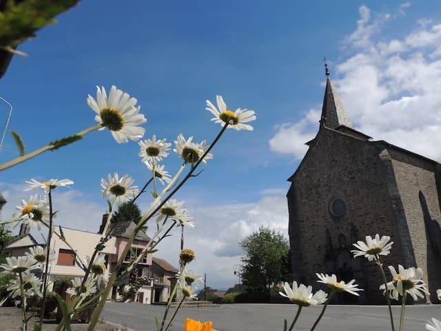 JOLI APPARTEMENT DE VACANCES - Rieupeyroux - Leilighet