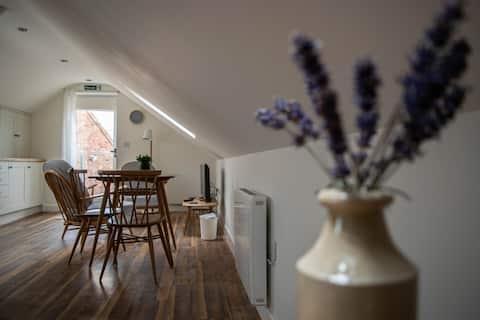Canbyfield Loft  Apartment
