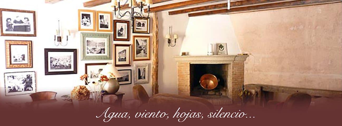 LAS 3 SABINAS - Cabra de Mora - Huis