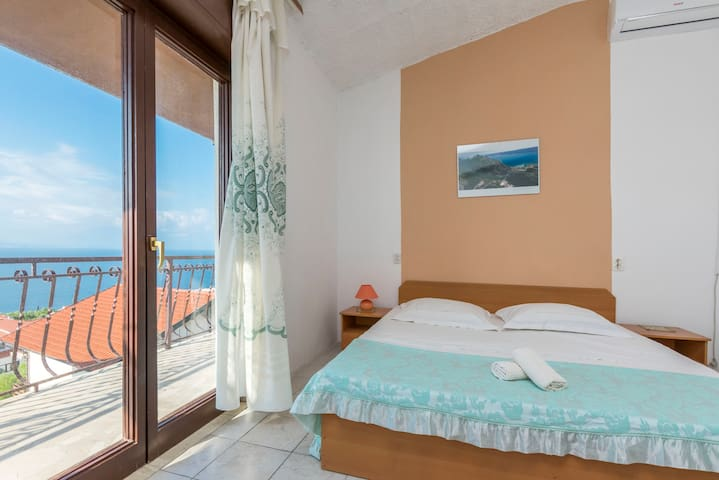Studio Apartment, in Omis