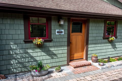 Discovery Ridge Cottage - Brand New Listing