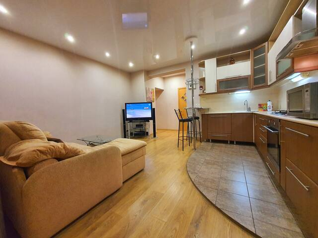 Апартаменты на Челюскинцев 7