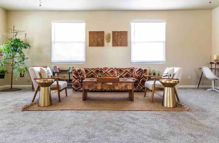 Stylish Downtown Fresno House, Private Room #3