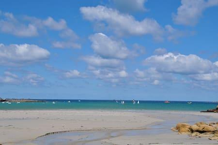Maison à 2 pas des plages de sable fin - Landunvez - Rumah