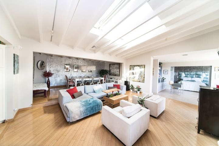 Hollywood Hills Wellness Retreat for Rejuvenation