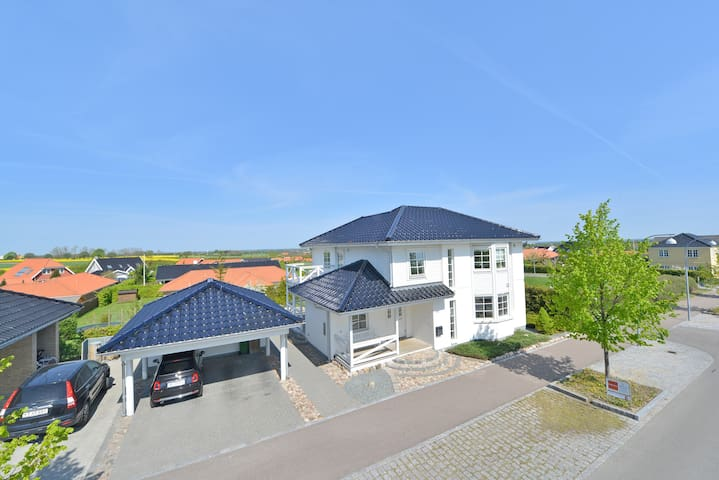 Large and bright luxury villa, nice location - Roskilde - Hus