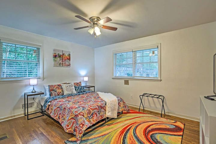 *Modern Master Bedroom, 10min to Downtown Big Home