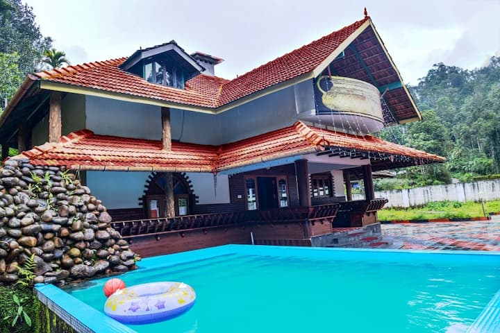 Independent Cottage with Swimming Pool at Munnar