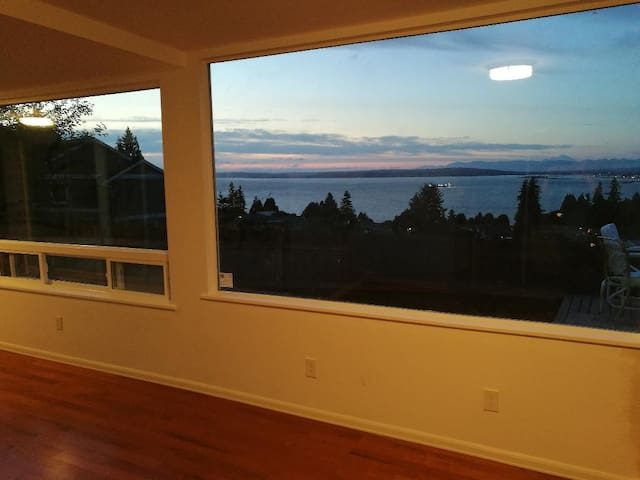 Ocean View Bottom Unit