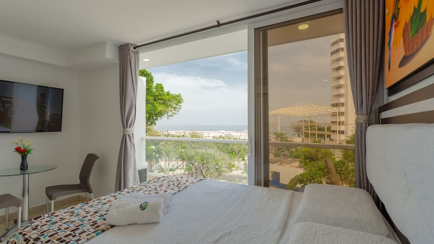 Hollywood Beach Suite 401