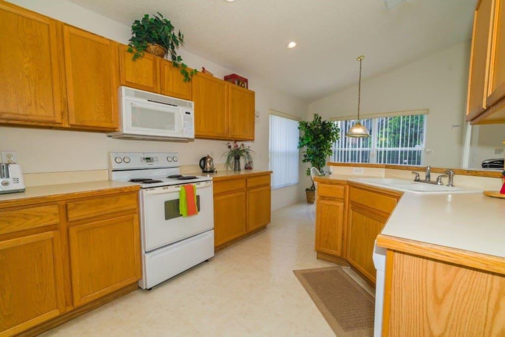 Indoors,Kitchen,Room,Oven,Molding