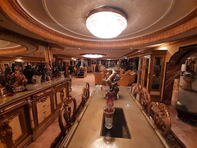 Enjoy Luxury House, Unique Location full services