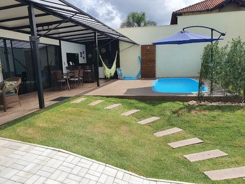 Casa nova,  com piscina em  Jaraguá do Sul