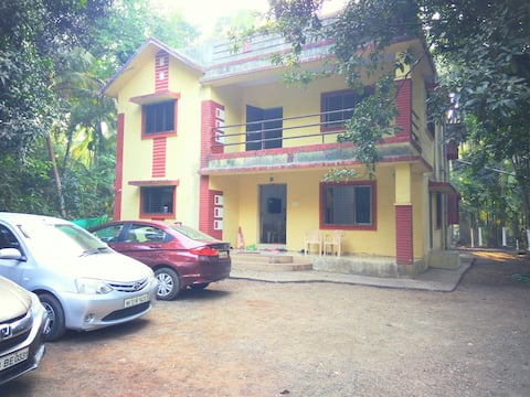 6 BHK  bungalow with all amenities-Home Stay