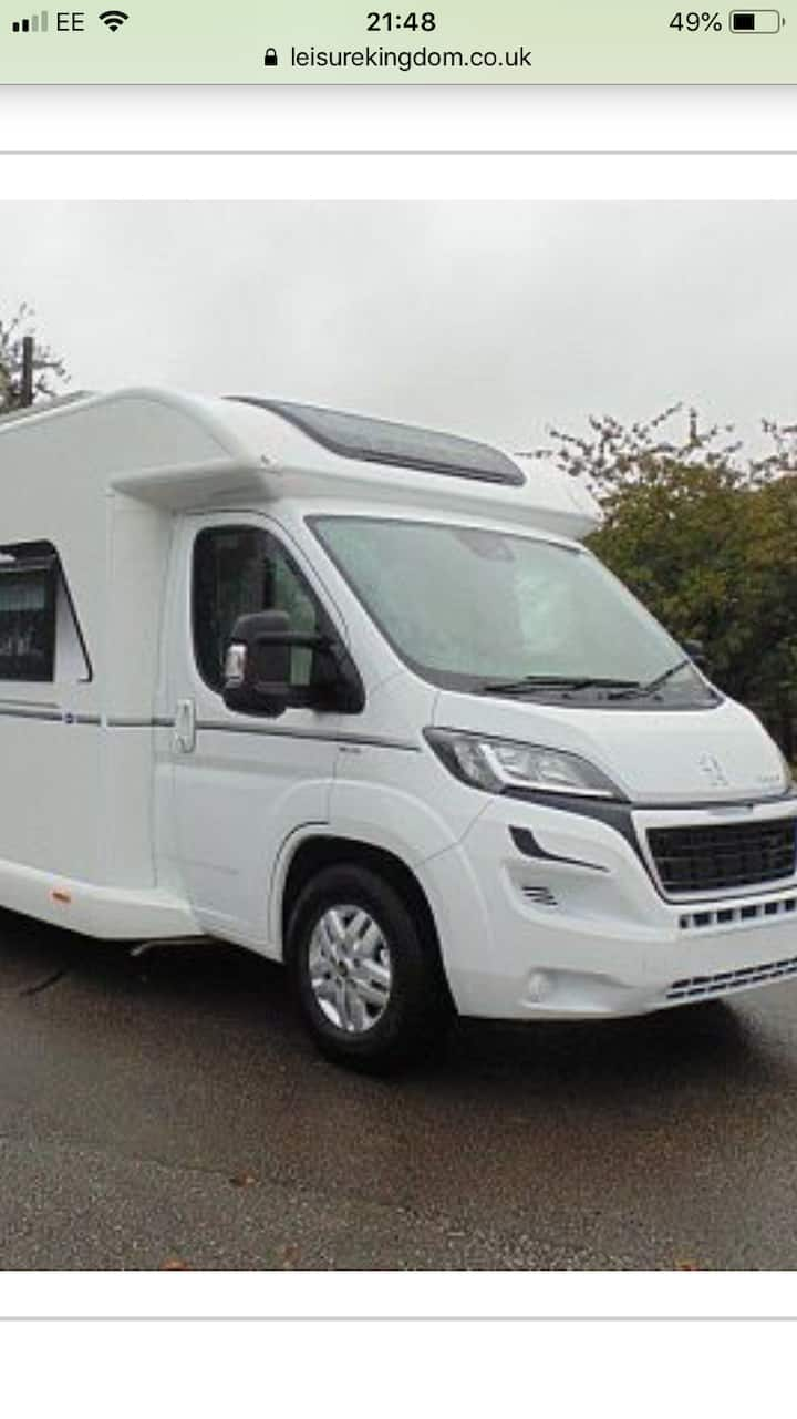 6 berth Luxury touring motor home
