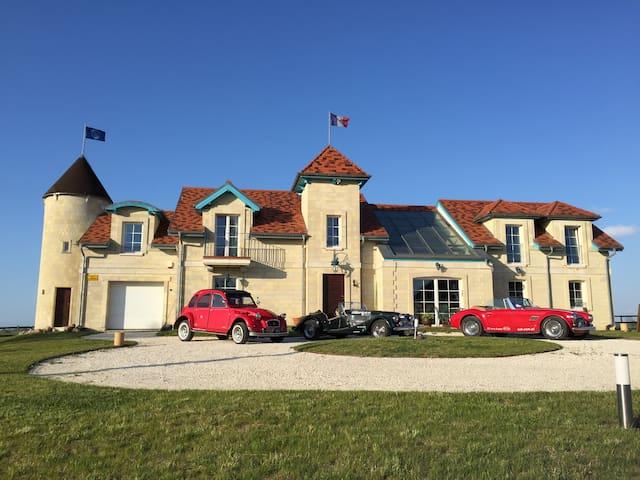 La Petite France - pokoje  goscinne - Parnówko