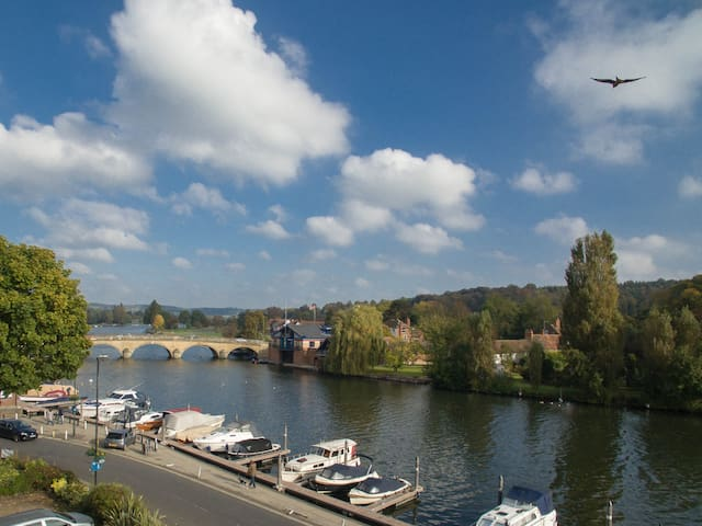 Tatiana's flat - Stunning views over Thames. - Henley-on-Thames - Appartement