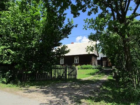casa de madeira na fazenda sinta-se livre