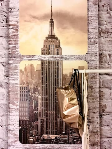 """ NEW YORK "" - Zimmer / 1-2 Gäste /  in WG-Etage"