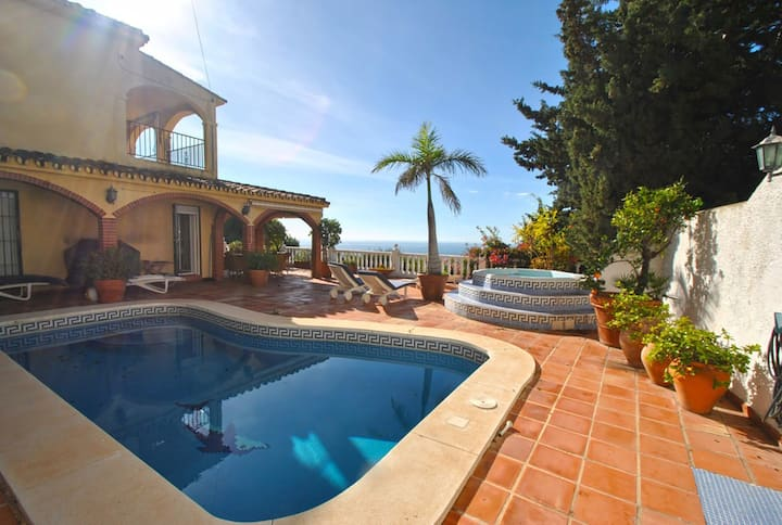Riviera del Sol villa with amazing views