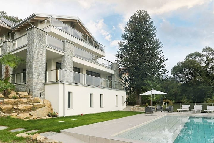 Stunning family friendly Italian Lakes 3 bed villa with pool