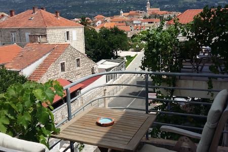 Room with a view in Korcula -Blue - คอร์คิวลา
