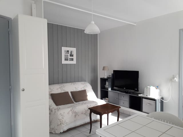 Appartement 2 p. dans maison de bourg à Concarneau