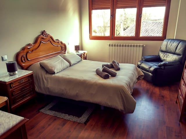 Habitación con cama de 1.35