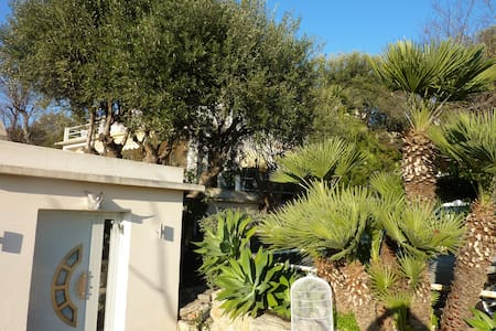 villa- appartement originale sur colline niçoise - Nice