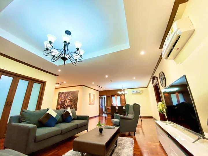 Luxury 3bedroom Suites at BTS Thonglo
