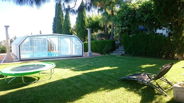 Villa with 4 bedrooms in Estepona, Málaga, with wonderful sea view, private pool, enclosed garden