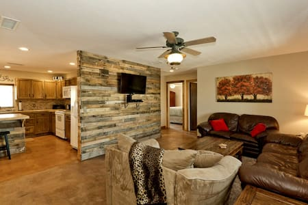 Cabin house on the lake - Lake Havasu City - Hus