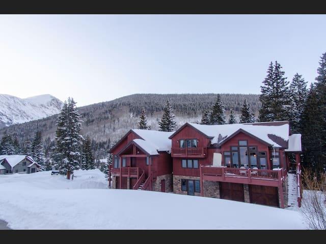 Winter Wonderland, pet friendly, Mountain House!