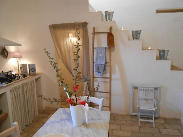 Charming Country House Medieval Village Near Sea - Montottone - Hus