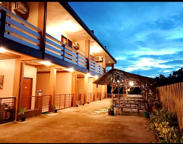 Coron Forest View Hostel