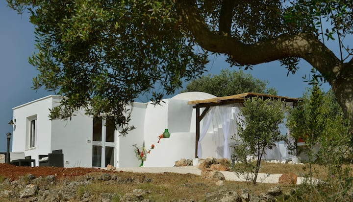 Renovated Romantic Poolside Trullo