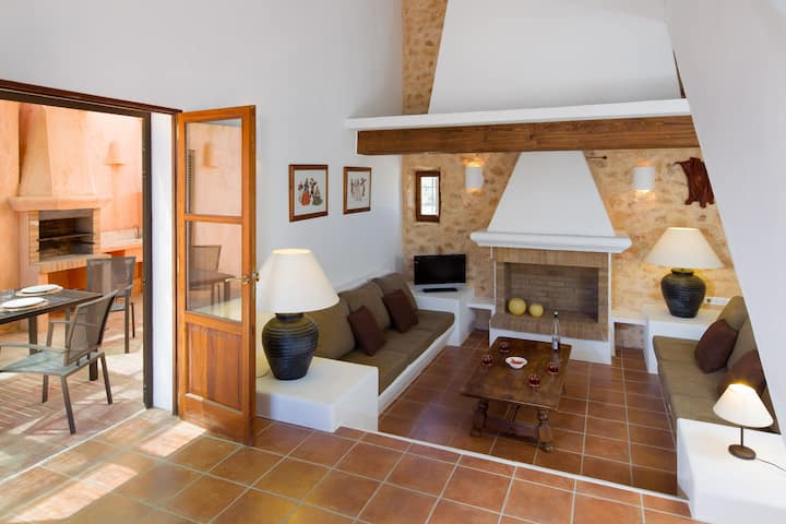 Recently built villa in Sant Francest with bbq&outside area-SantFrances
