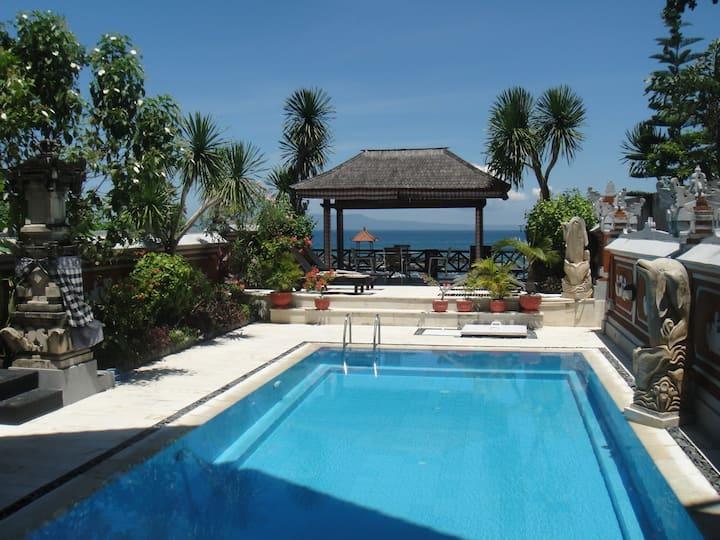 Villa Rindik - OceanFront - In Town - Private Pool