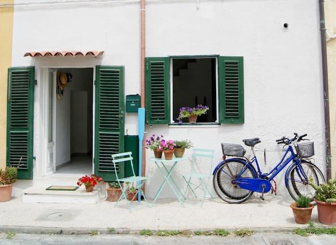 La Casa Dei Remi-Borgo,Porticciolo,Mare a un passo