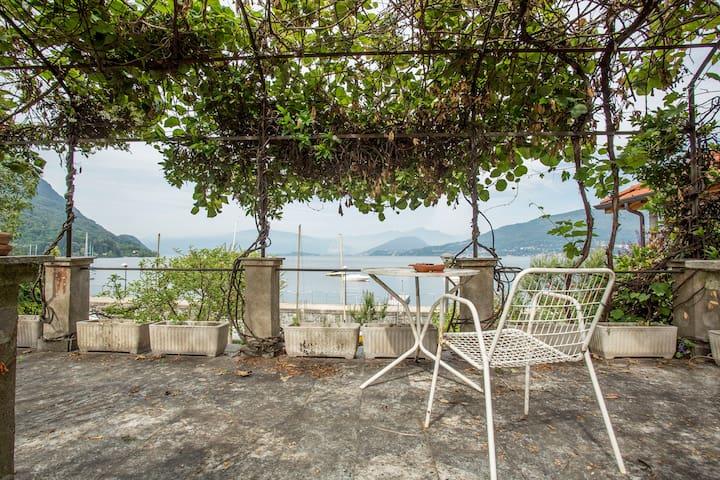 Residenza Maggiore, Garden & Lake view!