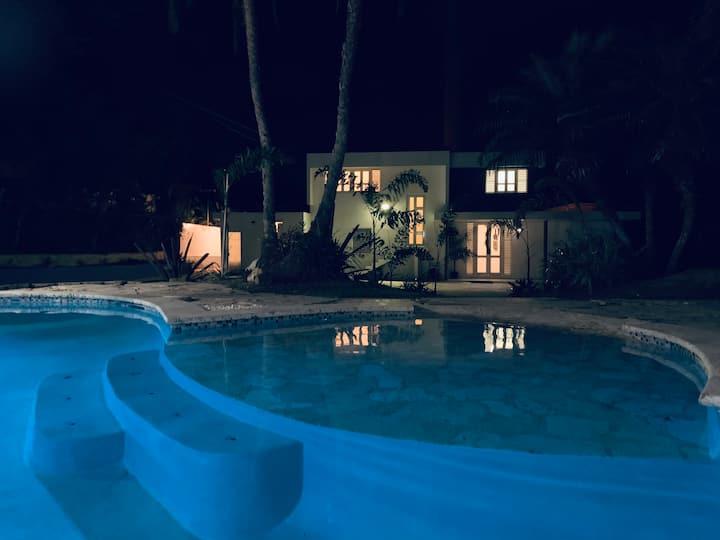 Blue House (near the beach) Apt. 2