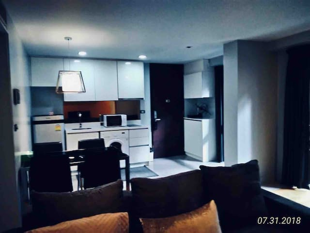 SPECIAL CBD Ultra Modern Private Residence 1minBTS